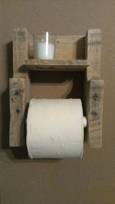Rustic pallet wood toilet paper holder with candle
