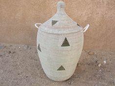 Wäschekorb, Hamper with triangle pattern von africanbaskets auf DaWanda.com