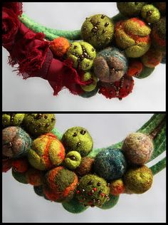 Felted necklace/collar with balls - green, orange, red, beige, gold and beads. Textile Jewelry, Fabric Jewelry, Felted Jewelry, Nuno Felting, Needle Felting, Jewelry Crafts, Jewelry Art, Jewellery, Miyuki Beads