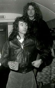 "Jimmy Page and Robert Plant of Led Zeppelin aboard Led Zeppelin's private jet, ""The Starship"" Rock N Roll, Rock And Roll Bands, Jimmy Page, Great Bands, Cool Bands, Musica Salsa, Robert Plant Led Zeppelin, John Paul Jones, John Bonham"