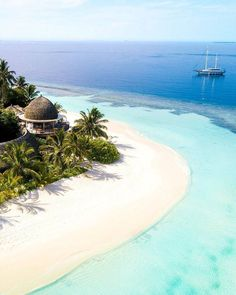 Maldives - 20 Most Beautiful Islands in the World Vacation Destinations, Dream Vacations, Vacation Spots, Wedding Destinations, Beautiful Islands, Beautiful Beaches, Places To Travel, Places To See, Zakynthos