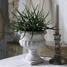 Patineret potte fra Jeanne DArc Living #vintage #brocante find det hele hos www.galleri-hebe.dk