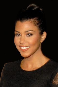 What do people think of Kourtney Kardashian? See opinions and rankings about Kourtney Kardashian across various lists and topics. Kourtney Kardashian, Kardashian Family, Kardashian Jenner, Kardashian Wedding, Kardashian Style, Teal Eyeliner, Reggie Bush, Scott Disick, Look Here