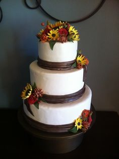 Fall Wedding Cake...I love the idea of sunflowers on my wedding cake!