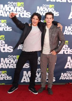 Dylan O'Brien and Tyler Posey Photo - 2011 MTV Movie Awards - Arrivals