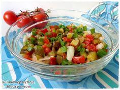 Sałatka do grilla z pomidora i ogórka kiszonego
