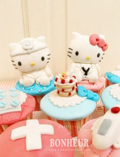 CAKE - Hello Kitty and Dear Daniel Cupcakes by ~StrawberryStory on deviantART