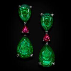 Love on the Rocks high jewellery emerald earrings   de GRISOGONO   The Jewellery Editor