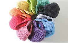 奥が深い裂き編みの魅力。着ないけれど思い出の服をリメイクするのにもいいですね。