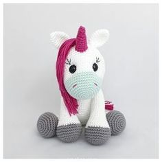 Amigurumi Crochet Oyuncak Tek Boynuzlu At (Unicorn) Pattern Yapılışı Crochet Unicorn Pattern, Crochet Horse, Crochet Mermaid, Crochet Diy, Crochet Amigurumi Free Patterns, Crochet Dolls, My Little Pony Unicornio, Bonnet Crochet, How To Make Toys