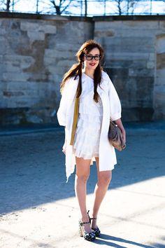 Miss Pandora – Paris, Jardin des Tuileries Pandora, Take That, Street Style, Shirt Dress, Paris, How To Wear, Shirts, Outfits, Dresses