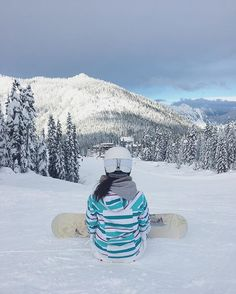 Surrounded by beauty // #mountain . . . . . . #pnw #pnwonderland #snow #stevenspass #snowboarding #mountains  #skiresort #godisgood #vscocamgram #vscocam