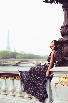 Breathtakingly stunning … these amazing photos by Carin Olsson of Nicole Warne @ Gary Pepper Girl, against a Paris backdrop are just perfect! Nicole is wearing a Carolina Herrera dress. Parisienne Chic, Beauty Photography, Fashion Photography, Gary Pepper Girl, Nicole Warne, Pont Alexandre Iii, Carolina Herrera Dresses, Paris Chic, Paris Style