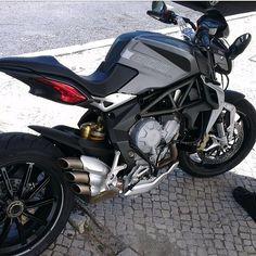 Name the bike! Photo: @maurinii Hashtag #2WP for a chance to be featured #motorbike #motorcycle #sportsbike #yamaha #honda #suzuki #kawasaki #ducati #triumph #victory #buell #aprilia #harleydavidson #r1 #r6 #cbr #gsxr #fireblade #hayabusa #ktm #bmw #mv #mvagusta #bikelife #Twowheelpassion