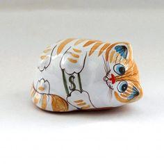 Мастер питает особое чувство к котикам. Часто в его композициях можно увидеть гжельских дородных котов. Его лозунг — «Коты Гжели всегда в теле». Cuff Bracelets, Clay, Red, Painting, Clays, Painting Art, Paintings, Painted Canvas, Drawings