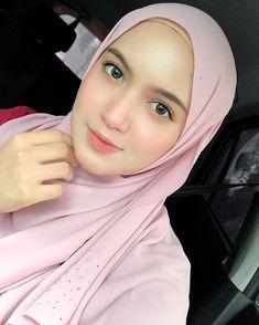 Sweet and Beautiful Hijab - Awek Hijabi Beautiful Hijab Girl, Beautiful Muslim Women, Casual Hijab Outfit, Hijab Chic, Hijab Makeup, Muslim Beauty, Hijabi Girl, Muslim Dress, Hijab Fashion