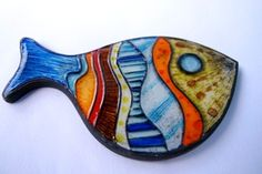 Project Fish, polymer clay. TinaMezekDesign, Flickr I love the colors and shape of this fish! Brooch, please!