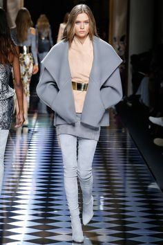 Balmain Fall 2016 Ready-to-Wear Fashion Show - Josephine Skriver (IMG)
