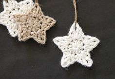 These simple Christmas crochet stars are a free pattern that makes a fun and easy holiday project!