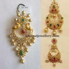Jewellery Designs: Below 36 Grams Chandbalis Traditional Indian Jewellery, Indian Jewellery Design, Jewellery Designs, Indian Jewelry, Gold Earrings Designs, Gold Designs, Diamond Jhumkas, 22 Carat Gold, Jewelry Showcases