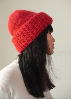 Samuji Chunky beanie, in limited edition red Fall Sewing, Crochet Cap, Clothing Photography, Knitting Accessories, Knit Fashion, Hats For Women, Knitted Hats, Knitwear, Knitting Patterns