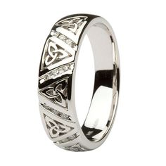 Great Cost-Free Gents Diamond Wedding Ring with Trinity Knots by Shanore Style Are you trying to find cheap wedding bands? At EFES you will find wedding rings from Nuremberg. Celtic Rings, Celtic Wedding Rings, Wedding Rings Simple, Diamond Wedding Rings, Wedding Bands, Pagan Wedding, Celtic Knot, Vintage Engagement Rings, Vintage Rings