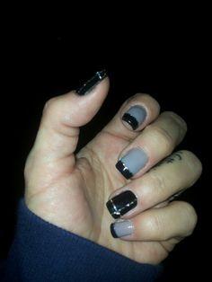 Unghie decorate grigio e nero