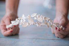 Praga Handmade Hair Accessories, Head Accessories, Wedding Hair Accessories, Handmade Jewelry, Flower Tiara, Head Jewelry, Clay Flowers, Cold Porcelain, Bridal Headpieces