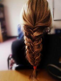 They seem me braidin' (braid hair)
