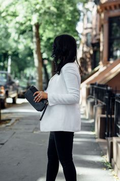 THE WHITE BLAZER | W