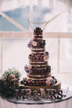 Naked Black Forest Gateau The ultimate decadent cake Black Forest Cherry Cake, Hessian Wedding, Naked Cake, Do It Yourself Wedding, Gateaux Cake, Amazing Wedding Cakes, Wedding Cake Inspiration, Forest Wedding, Wedding Desert