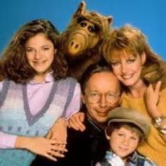 Alf-and-the-Tanners. My favourite! I still have my Alf! 80 Tv Shows, Old Shows, Great Tv Shows, Mejores Series Tv, Cinema Tv, Childhood Tv Shows, 80s Kids, Classic Tv, Best Tv