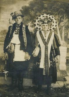 An old ukrainian photo, wedding costume, Velykiy Kluchiv, XIX century,