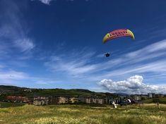 Vuelos en parapente biplaza en la playa de Sopelana (Bizkaia) Bilbao, Costa, Paragliding, Parking, Sky, Beach, Heaven, Heavens