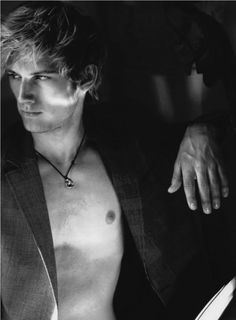 Alex Pettyfer as Will Herondale. Gorgeous Men, Beautiful People, Perfect People, Pretty People, Will Herondale, Alexander Ludwig, British Men, Male Photography, White Photography