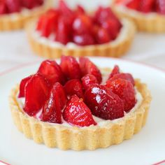 Mixed berry fruit tartlets made with pâte sucrée, lush cream patissiere & a medley of mixed berries is a simple yet elegant dessert to make. Mini Desserts, Just Desserts, Delicious Desserts, Yummy Food, Mango Dessert Recipes, Tart Recipes, Sweet Recipes, Fruit Tartlets, Mini Fruit Tarts