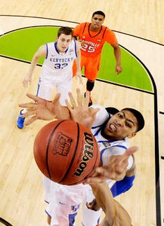Kentucky Wildcats. My favorite player last year! Anthony Davis!