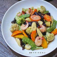 Resep masakan sederhana menu sehari-hari istimewa Unique Recipes, Asian Recipes, Healthy Recipes, Healthy Food, Seafood Recipes, Cooking Recipes, Chicken Recipes, Mie Goreng, Pork Tenderloin Recipes