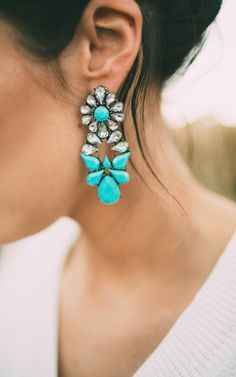 Our Jen Hot Teal Earrings are a season must have. Their bright and cheery presence brings vibrance to any look. Pair these with an evening look to bring attention to your face or pair with a graphic t Bridal Accessories, Bridal Jewelry, Jewelry Accessories, Jewelry Ideas, Ily Couture, Hair Ornaments, Statement Jewelry, Colored Diamonds, Marie