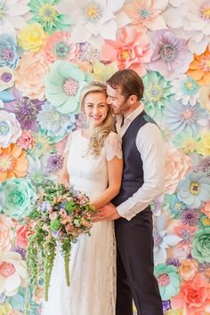 amazing floral backdrop Flower Wall Wedding, Diy Wedding Backdrop, Paper Flowers Wedding, Diy Backdrop, Wedding Decorations, Wedding Ideas, Paper Flower Wall, Paper Flower Backdrop, Floral Backdrop