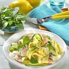 Zucchini-Nudeln mit Lachs Rezept   LECKER