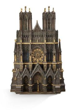 """Pendule """" à la Cathédrale """" en bronze ciselé, doré et patiné,"""
