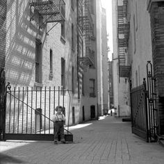 Vivian Maier - Her Discovered Work - http://www.youtube.com/watch?v=HWEDOnBfDUI