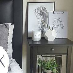 Good morning Tuesday xx Its far to cold to get out of bed, but we must ❄ . . . . #bedroomstyling #bedroomideas #bedroominspo #interiør #inspiration #interiorideas #interiorinspo #interiorstyling #homdecorating #ohhellowallprints #monochrome #bedroom #mystyle #prints #homeprint #homeinspo #bedroombecor #homedecor #candlelove