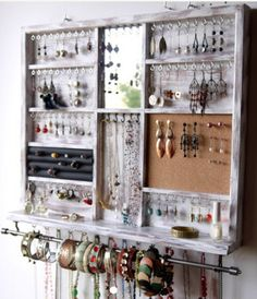 holder Large earrings with shelf. - Jewelry holder Large earrings with shelf. Wall Mount … -Jewelry holder Large earrings with shelf. - Jewelry holder Large earrings with shelf. Earring Storage, Earring Display, Jewellery Storage, Jewellery Display, Jewelry Tray, Jewelry Drawer, Jewelry Chest, Diy Jewellery, Jewellery Shops
