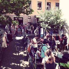 Hoftrödelmarkt in der Dresdner Neustadt. Feinstes Wetter und tausend Dinge zu entdecken. Für jede Geldbörse was dabei! #heydresden
