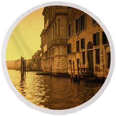 Morning In Venice Sepia By Marina Usmanskaya Round Beach Towel featuring the photograph Morning In Venice Sepia by Marina Usmanskaya #marinausmanskayafineartphotograph #homedecor #homedesign #artforprint #artforhome #venice #goldenhour #italy #fineartprints