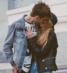 #wattpad #romance -¿por qué sigues aquí? -Te amo, ¿No lo entiendes? -Soy como el.... -¡No! Tú jamás serás como el, tú sabes amar -¿Cómo lo sabes? -Si no lo hicieras, no estarías aquí. -No lo entiendo. -Tú me amas, igual o más de lo que yo te amo a ti...... Kelly