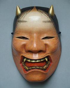 「生成」作者不詳写し 雅遊作 「Namanari」Authorunknown gayu makinq noh-mask #雅遊の面 #面打ち #能面 #能楽 #日本芸能 #日本芸術 #木曽桧 #noh#nohmask#japanesecolture #japanesecypress #japanesestories