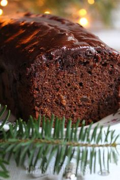 Szybki , wilgotny piernik na powidłach - przyslijprzepis.pl Polish Desserts, No Bake Desserts, Baking Recipes, Cake Recipes, Snack Recipes, Healthy Cake, Food Cakes, Christmas Baking, Coffee Cake